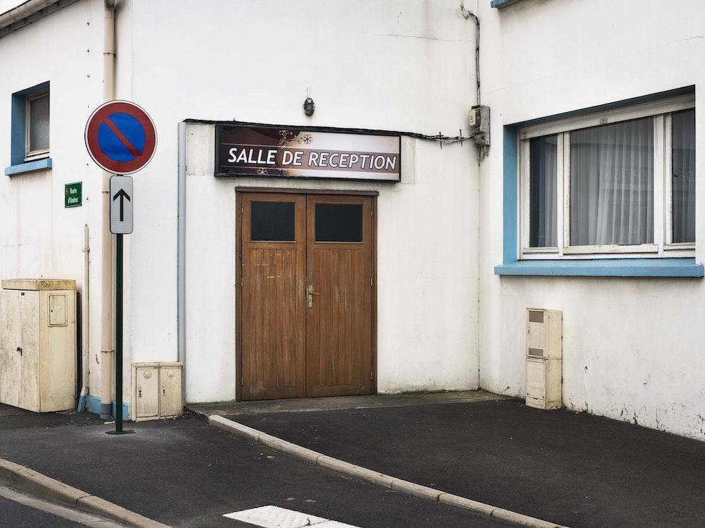 <i>Reception room, Les Attaques, Pas-de-Calais, 2016, </i>Gendarme Sur La Colline (2017)